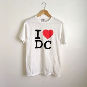 "vintage 90's ""I ❤️ DC"" city souvenir tee shirt"